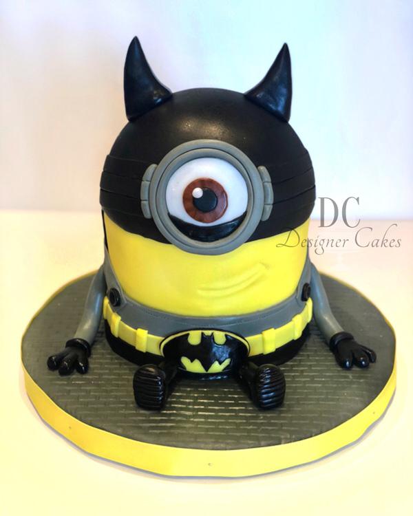 BatmanMinionCake